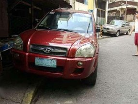 Hyandai Tucson CRDi 2005 AT 4x4 Red For Sale