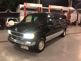 2000 Ford E150 Chateau