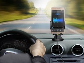 Where will you place your smartphone while driving?