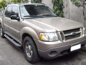 Ford Explorer Sport Trac 2000 model