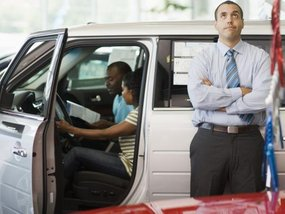 5 things car salesmen hate about car buyers