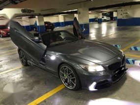 BMW Z4 2011 AT Gray Convertible For Sale