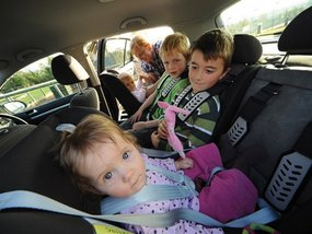 Congress okays bill requiring use of child seats in motor vehicles