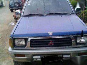 Pickup 1997 Strada (4x4) negotiable