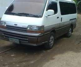 Toyota Hiace 04mdl diesel fresh for sale