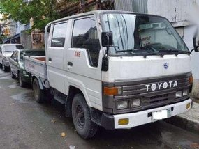 ELF toyota dyna truck ( pick up )