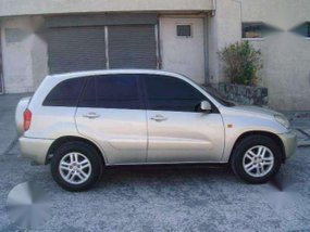 2004 TOYOTA RAV 4 - very FRESH and clean - automatic - all power