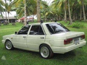 Nissan Sentra Boxtype 1989 MT White For Sale