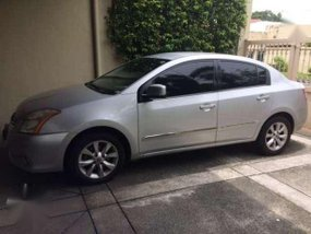 Nissan Sentra 200 2010 AT Silver For Sale