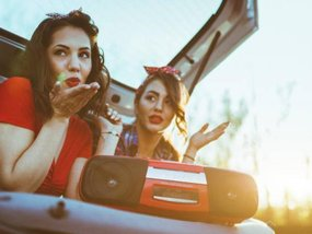 Best in-car entertainment ideas to fight boredom while in a long drive