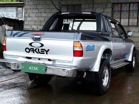 Mitsubishi Strada orig manual 4x4 for sale