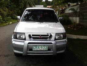 MITSUBISHI ADVENTURE 2001 SUPERSPORT AUTO GAS