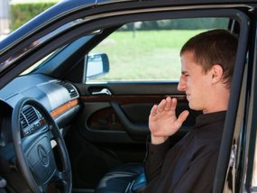 Diagnose your car's annoying smells & How to remove bad odor from your car