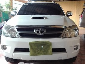 Toyota Fortuner V 4x4 Top of the line diesel