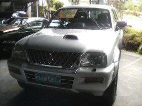 Mitsubishi Strada 2004 for sale