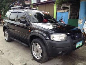 4x4 FORD ESCAPE XLT 2004 (top of the line) for sale