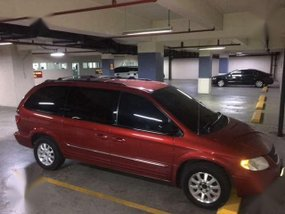 2004 Chrysler Town and Country AT Red For Sale