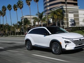 Hyundai Nexo fuel-cell crossover officially unveiled at 2018 CES