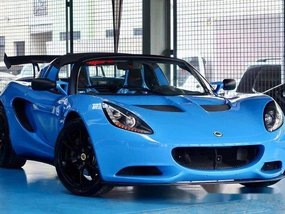 Good as new Lotus Elise 2016 for sale