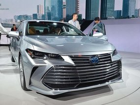 Toyota Avalon 2019 launched at NAIAS 2018 with biggest grille ever