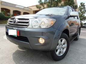 Well-maintained Toyota Fortuner G AT 2011 for sale