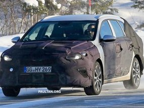 [Spy shots] Kia Ceed 2018 wagon seen undergoing winter testing