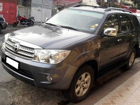 Toyota Fortuner G 2011 diesel automatic for sale