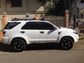 Toyota Fortuner white 2005 for sale