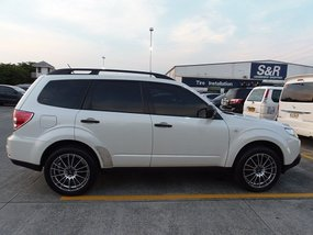 Well-maintained Subaru Forester 2.0X 2011 for sale