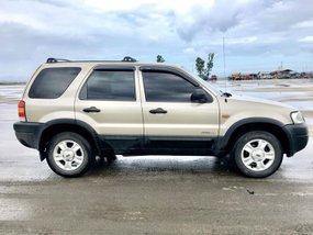 Well-kept Ford Escape 2.0 XLS 2004 for sale