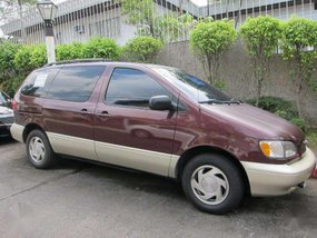 1998 Toyota Sienna family van FOR SALE