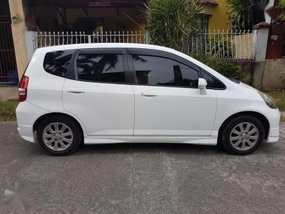 Honda Fit 2009 AT white repriced for sale