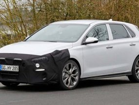 Alleged Hyundai i30 N-Line spotted with a racier look