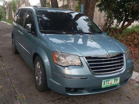 Good as new Chrsler Town and Country 2009 for sale