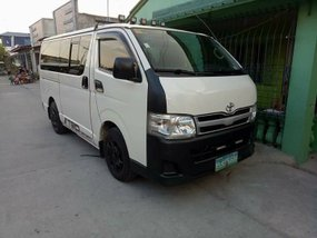 Like-new 2013 Toyota HiAce Commuter for sale