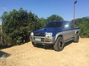 Mitsubishi Strada 2000 4x4 for sale