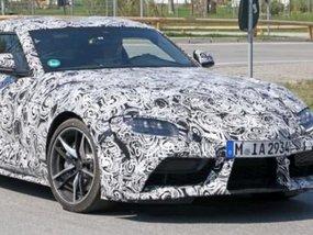 Toyota Supra 2019 in less camo reveals detailed designs