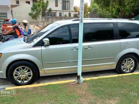 Chrysler Town and Country 2009 luxury van For sale
