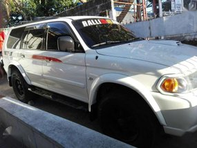 2005 MITSUBISHI Montero sports automatic diesel