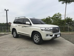 Extremely Low Mileage Toyota Land Cruiser VX Premium 2016