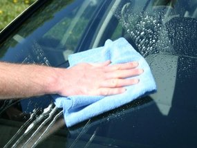 Simple Tips to DIY Your Windshield Washer Fluid
