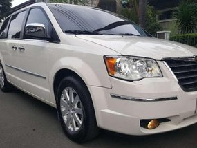 2011 Chrysler Townwn and Country For sale