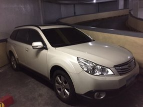 2010 Subaru Outback AT White SUV For Sale