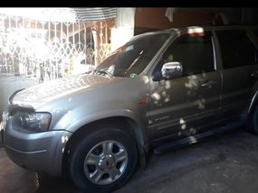 Barely used Ford Escape 2004 for sale