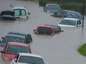 8 steps to do when your car gets flooded in the Philippines