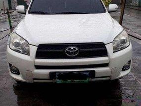 Toyota Rav4 2.4L 4x2 AT White SUV For Sale