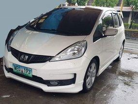 2013 Honda Jazz AT White For Sale