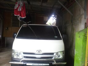 toyota commuter d4d white for sale