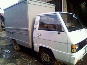 1993 Mitsubishi L300 closed alum van