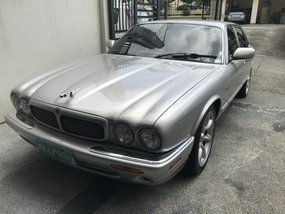 Sell 2nd Hand 2000 Jaguar Xjr at 60000 km in Metro Manila